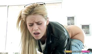 Mouthwatering blond lady Jessa Rhodes grabs on his wiener to get boned