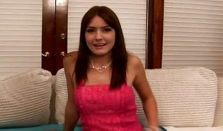 Agreeable girlie Elli Fox likes to have sex everywhere