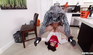 Slender playgirl Kharlie Stone is picked up by the strong boyfriend