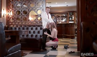 Beautiful redhead beauty Linda Sweet likes to get her pie thoroughly licked